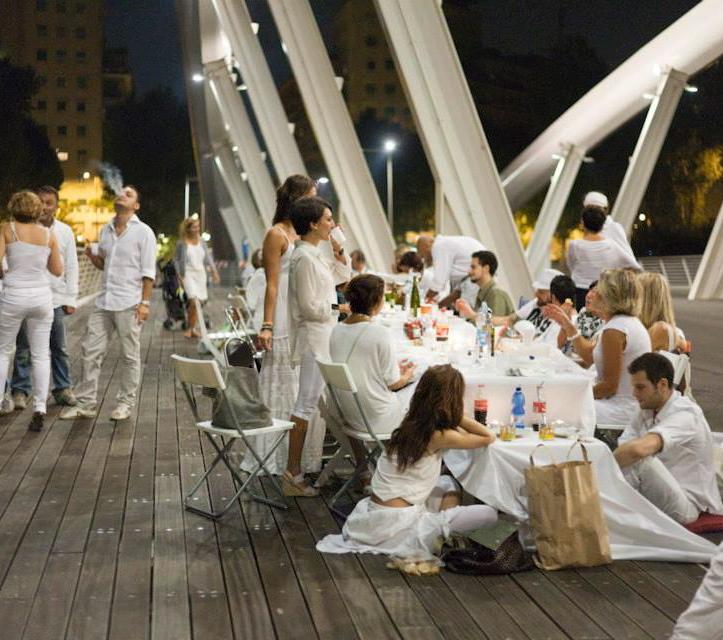 Insolite : Le Rome White Dinner