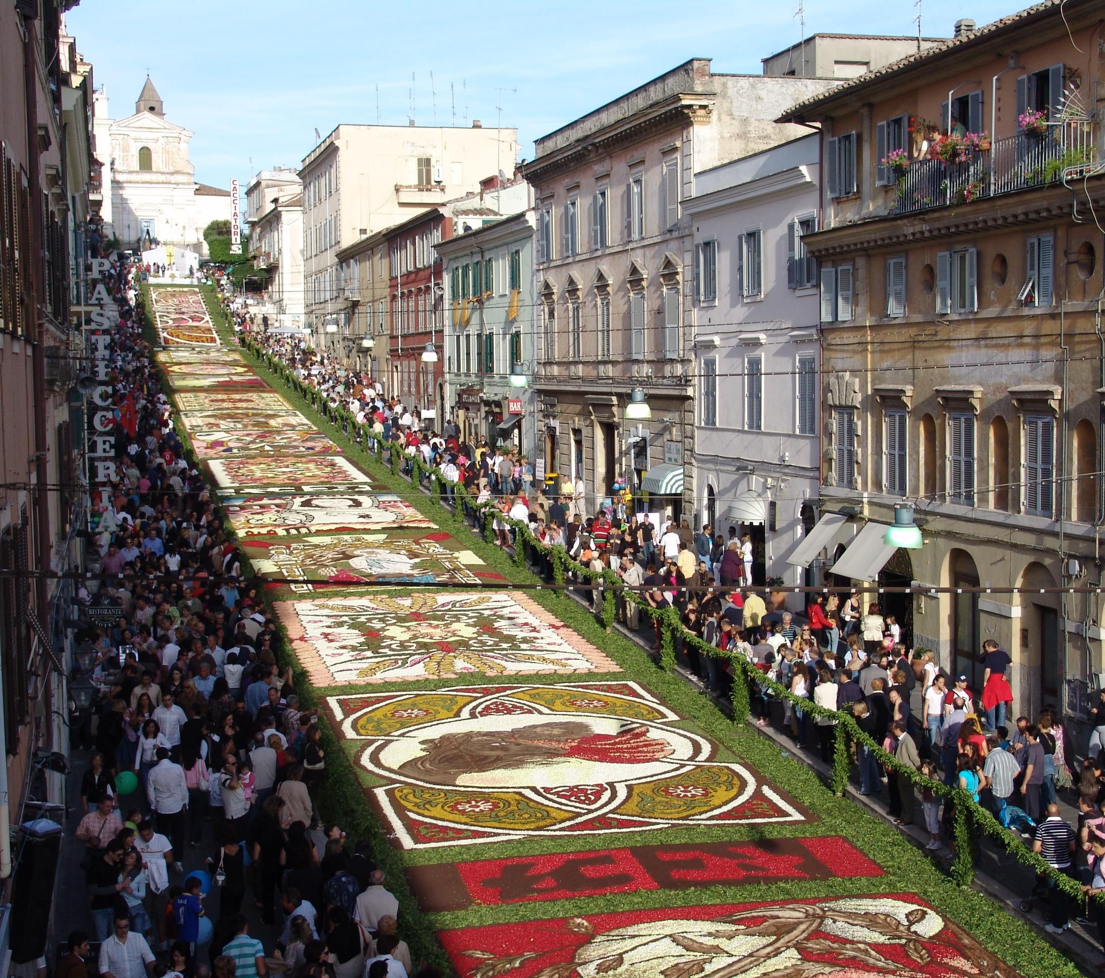 Spectaculaire : l'Infiorata di Genzano di Roma