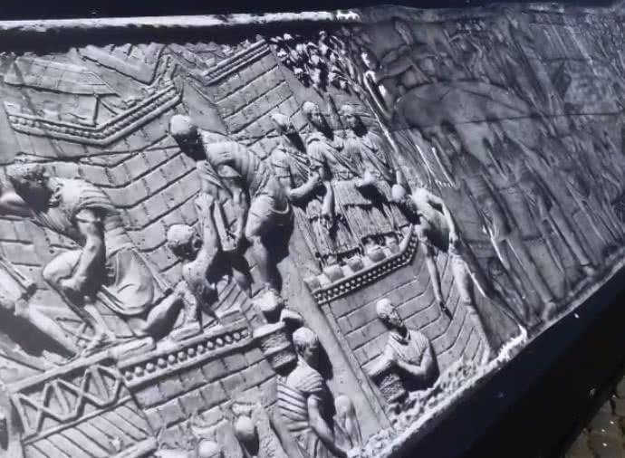 Fori Imperiali : La Colonne de Trajan déroulée