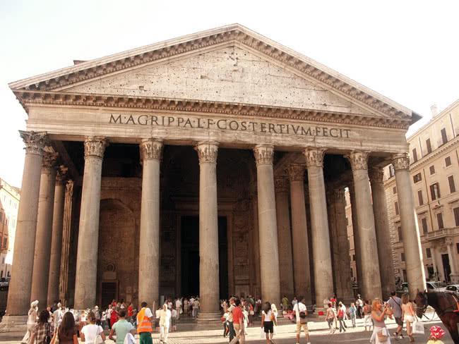 Façade Pantheon Rome
