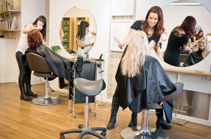 Coiffeurs francophones rome rome pratique - Salon de coiffure qui recrute ...