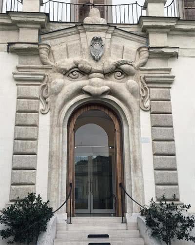 Porte Palais Zuccari