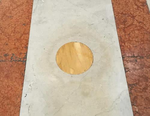 Disque jaune Sant'Ignazio