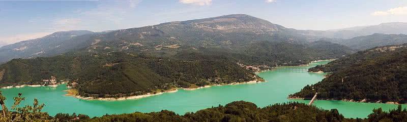 Lac de Salto et de Turano