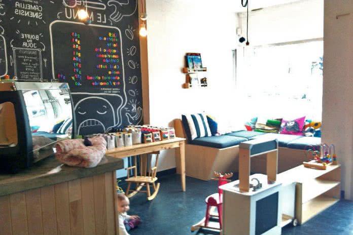 Cafe avec bebe