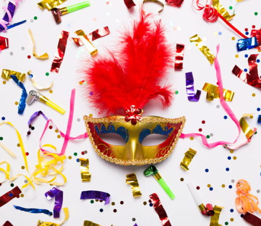 Masque carnaval confettis